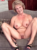 free mature horny big nippled milfs